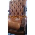 Chesterfield King karfásszék Antik óarany S12